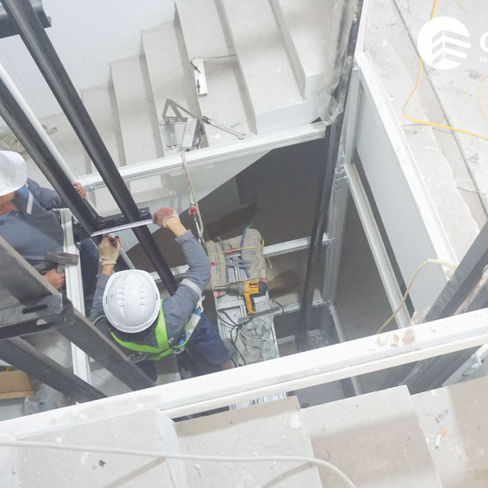 Lắp đặt khung thang máy liên doanh